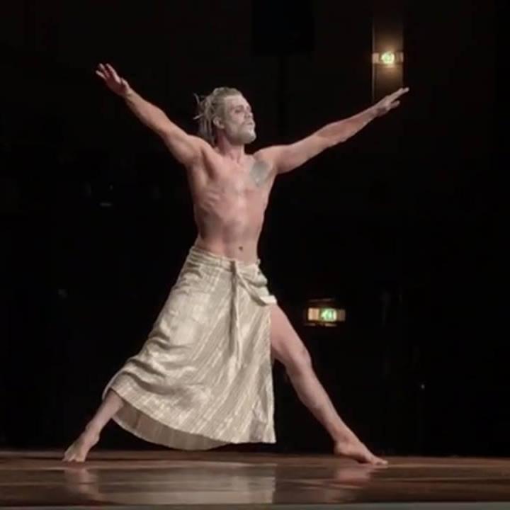 Leon Emil Franzke ist Teil des Tanz und Performance Netzwerk Schleswig-Holstein