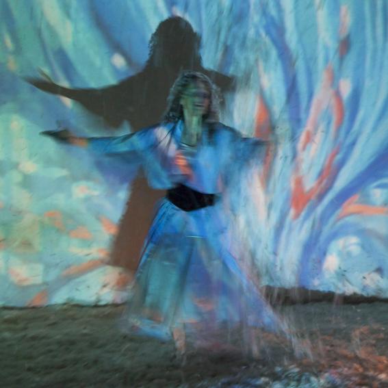 Lotte Grohe ist Teil des Tanz und Performance Netzwerk Schleswig-Holstein | Foto von Dorothea Heinrich