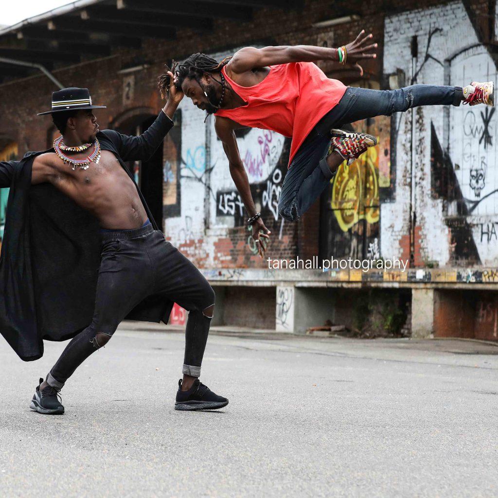 Cindy Jänicke von KUENDAproductions ist Teil des Tanz und Performance Netzwerk Schleswig - Holstein | Foto von @tanahall.photography