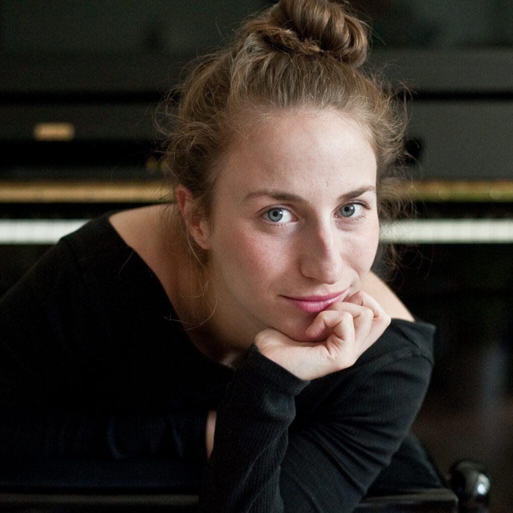 Amelie Ricas ist Teil des Tanz und Performance Netzwerk Schleswig-Holstein | Foto von Jenny Schäfer