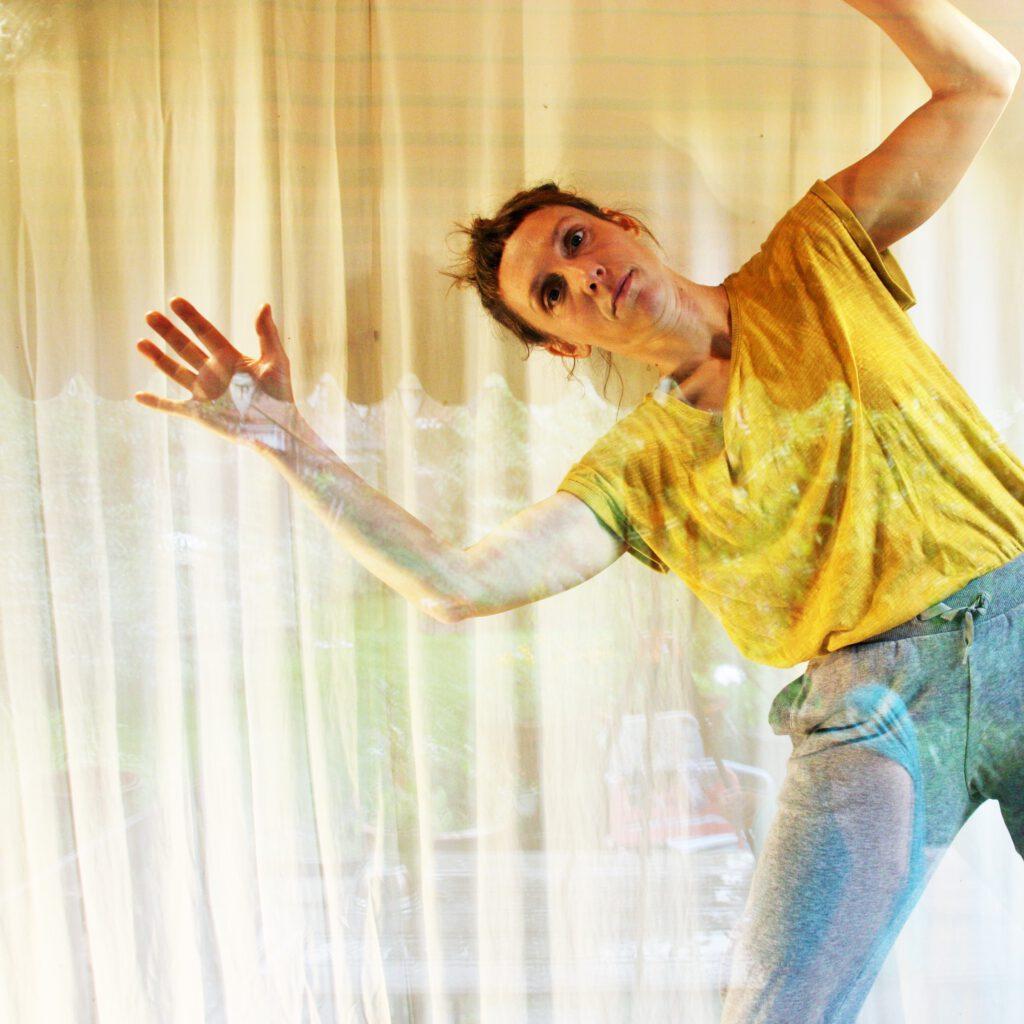 Lena Pansegrau ist Teil des Tanz und Performance Netzwerk Schleswig-Holstein